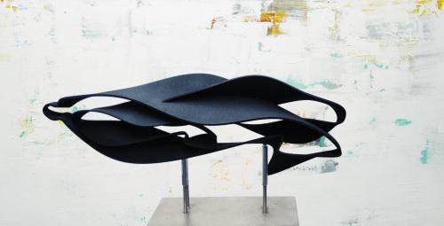 "Barbara Houwers | 3D print object- ""Brushstrokes"" Geprint in zwart kunststof. Lengte 40 cm."