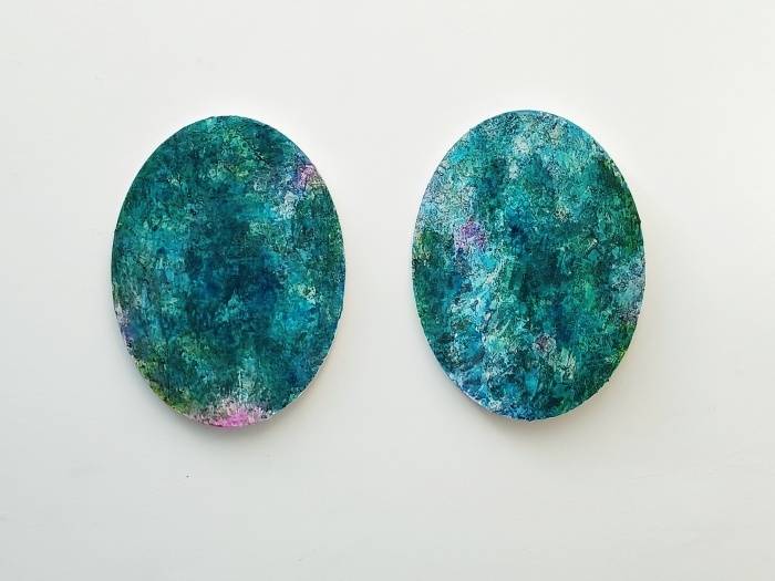 Barbara Houwers | Oval Series | 30-40 cm | Acrylics on canvas .